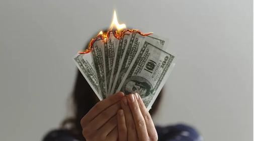 【周末阅读】揭秘9.9元理财课:被忽悠的学员与致富的卖课人