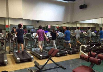 """""""跑路前夜,这群人还在疯狂敛钱!"""" 中国健身房的末日最大骗局"""